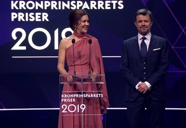 Crown Princess Mary wore a new bespoke gown by Danish fashion designer Soeren le Schmidt. Danish singer Jada, Emilie Molsted