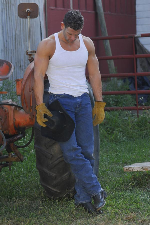 masculine-country-daddy-huge-strong-arms-jeans-sexy-male-farmers