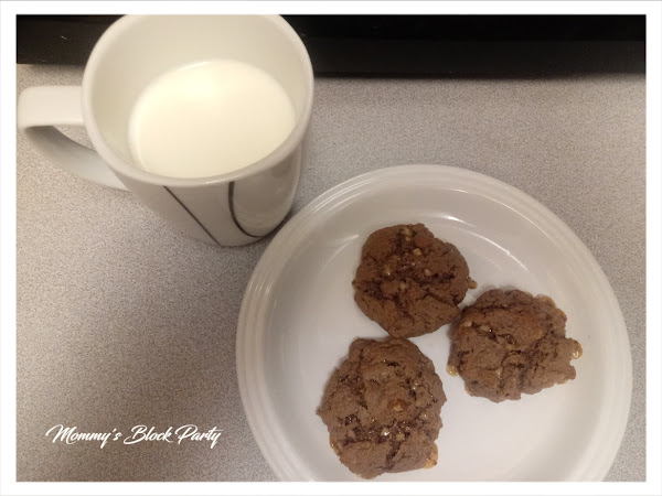 Feed Your Sweet Tooth With These Delicious Chocolate Cake Mix Cookies #Tasty Tuesday