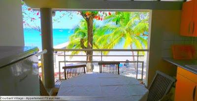 Vue sur la mer Courbaril Village pour un séjour Martinique vol , hôtel, location voiture.