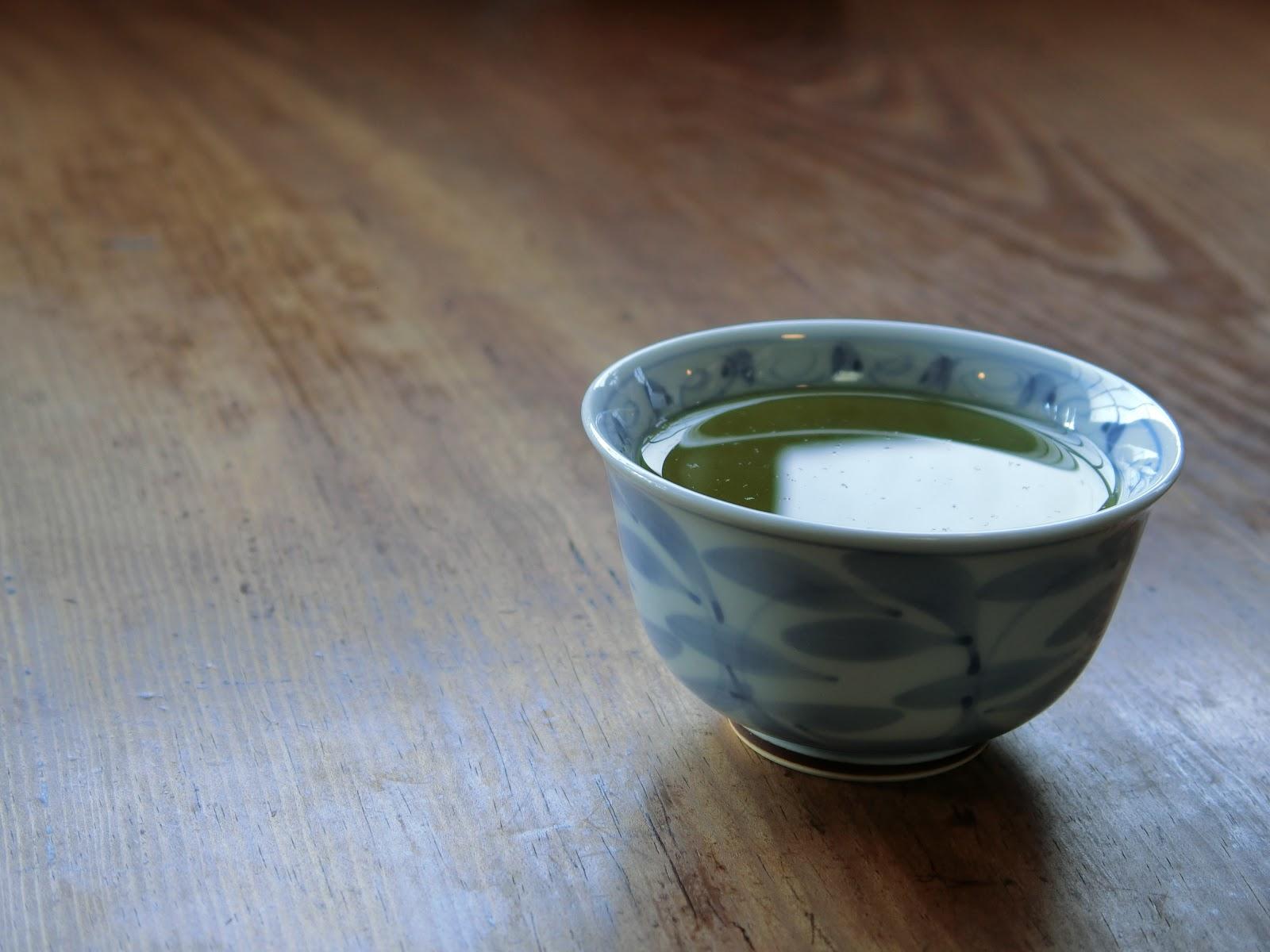 一杯の緑茶:煎茶