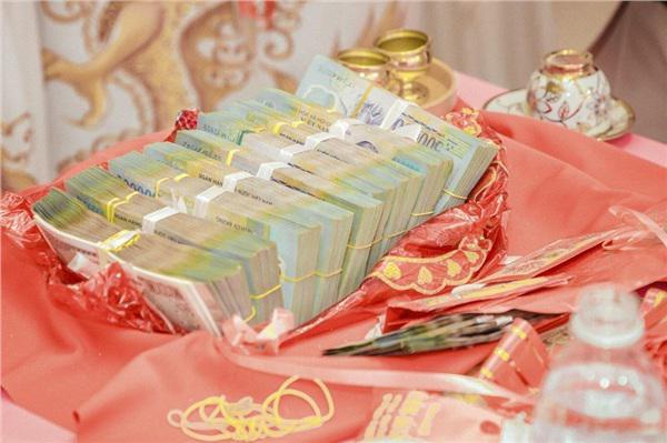 Từ 1/9, 'thách cưới' quá cao bị phạt bao nhiêu tiền?