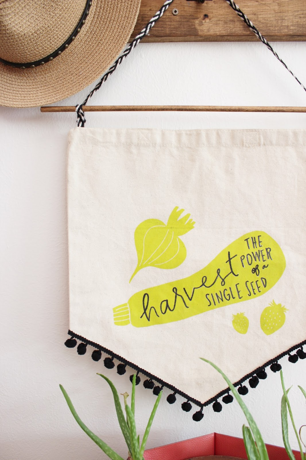 A quick craft! Repurpose a Canvas tote into a spring banner