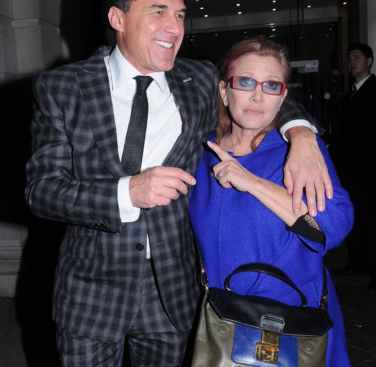 Carrie Fisher la petrecerea ce marchează finalul filmărilor pentru Star Wars: Episode VII