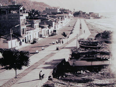 Lanchas sobre el malecon de Puerto Vallarta