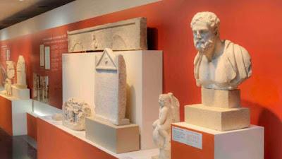Πάθη και «τρολαρίσματα» στο βιβλίο επισκεπτών μιας αρχαιoλογικής - προσφυγικής έκθεσης