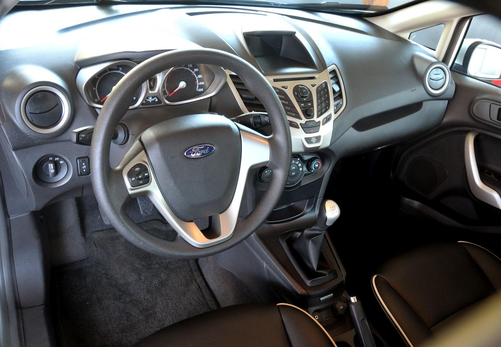 Blog do Moquenco  New Ford Fiesta Hatch 2012  Carrinho d643f3d06cf6c