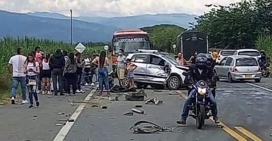 En video quedó registrado segundos después el accidente de tránsito en la vía la Virginia - viterbo