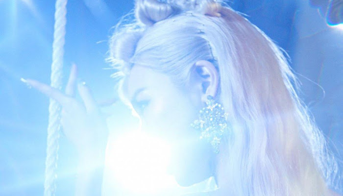 [DOWNLOAD] Tiffany Young - Magnetic Moon (Single)