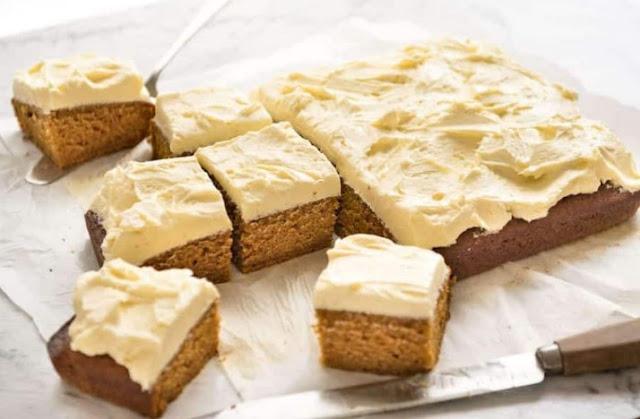 Pumpkin Cake with Caramel Cream Cheese Frosting #cake #pumpkin