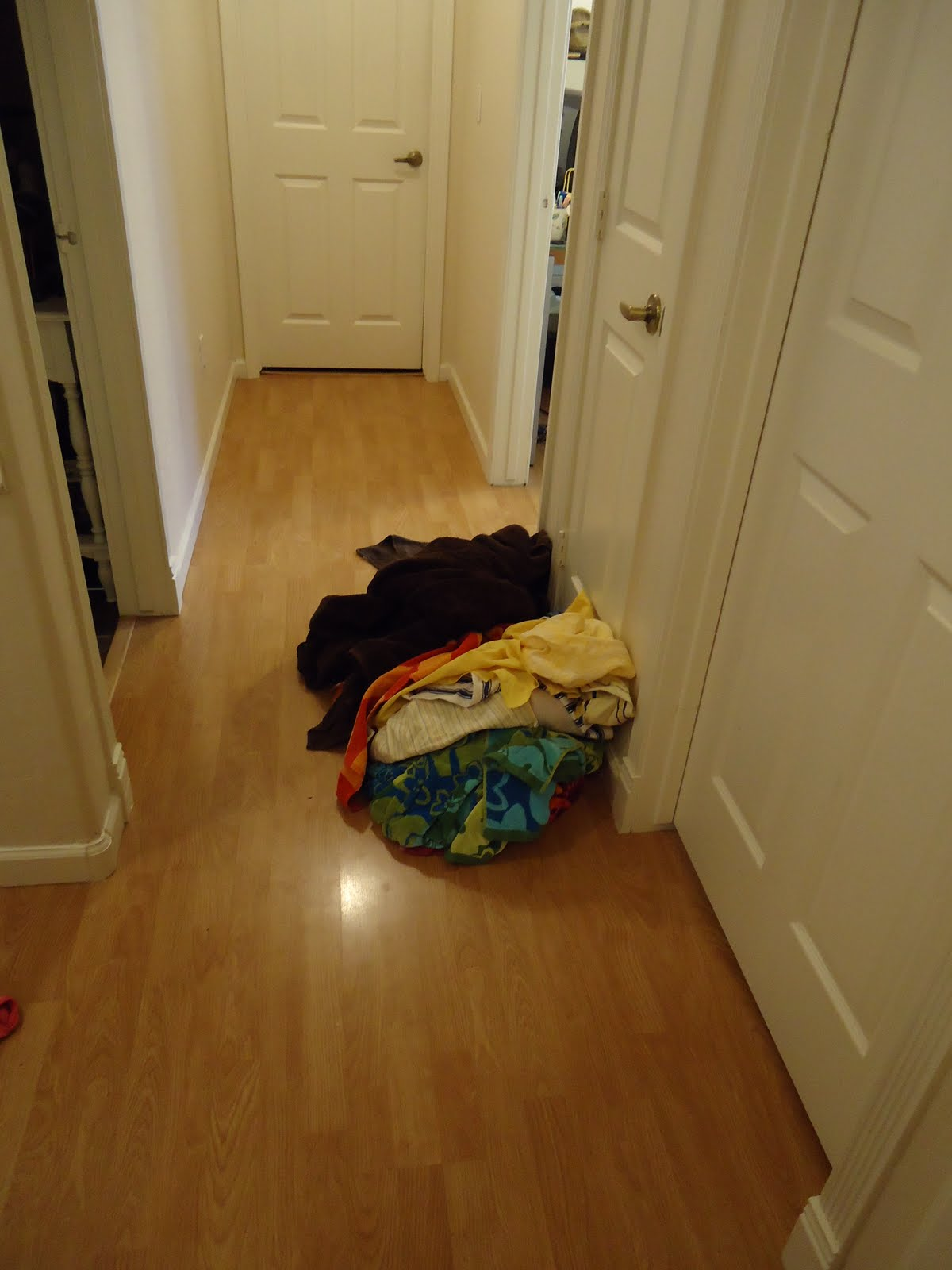 Some Smiths: Laundry Mess & Blogs!