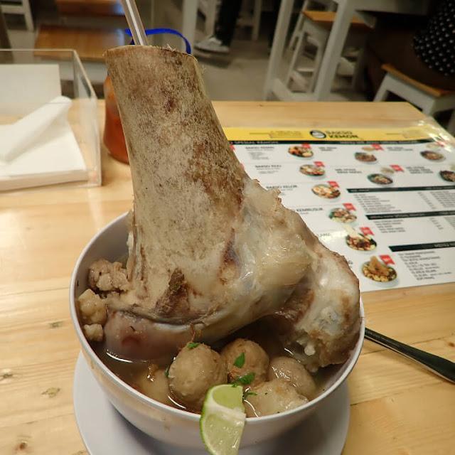 bakso kelana, bakso tulang sum sum, bakso kemon ada tulang sum-sumnya