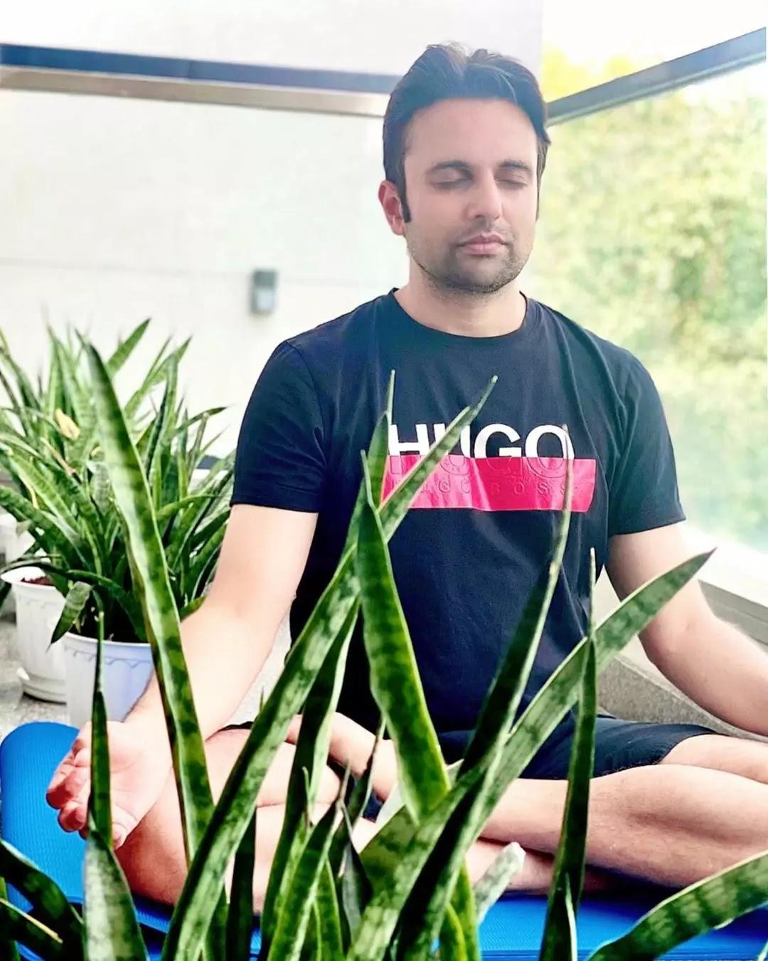 Sandeep Maheshwari yoga