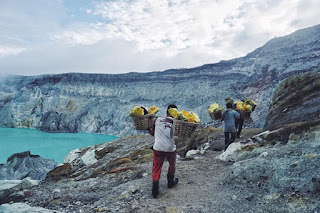 Ijen Crater tour package 1 night 1 day