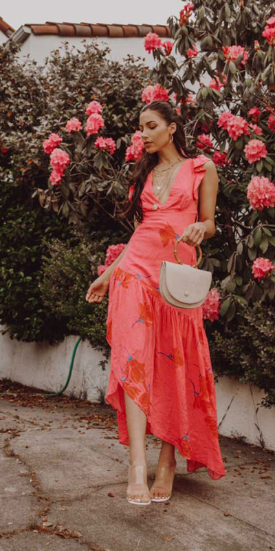 Capture everyone's attention with these latest summer looks. 27 Trending Summer Outfits by Stylish Instagram Influencers. Summer Styles via higiggle.com | long dress | #summeroutfits #instagram #style #dress