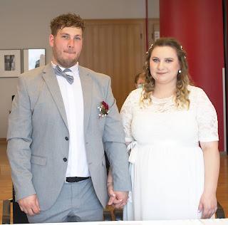 Hochzeitspaar im Standesamt Bad Laer Hochzeitsfoto