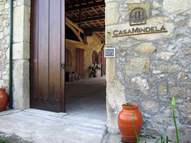 porta aberta da casa Mindela