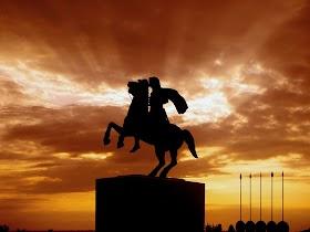 サウルって誰?イスラエル初の王の性格や最期【旧約聖書】