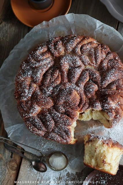 przepis na ciasto drożdżowe odrywane