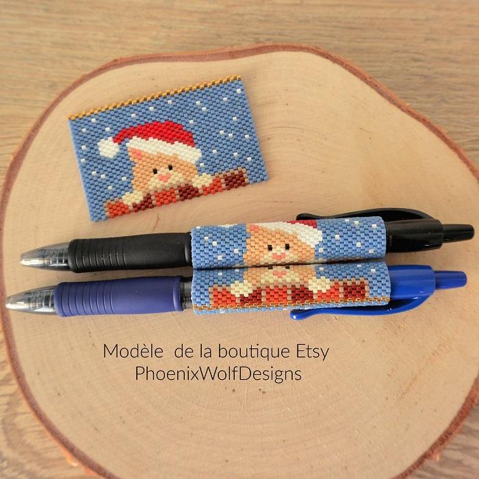 Cover pen chat Noël en perles Miyuki modèle Phoenix Wolf Designs tissé par Hello c'est Marine