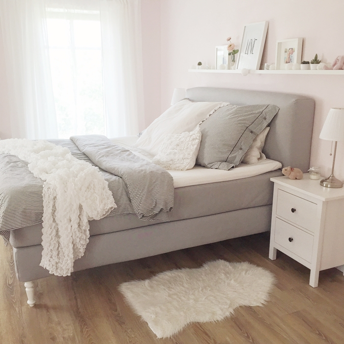 wir bauen ein haus schlafzimmer boxspringbett. Black Bedroom Furniture Sets. Home Design Ideas