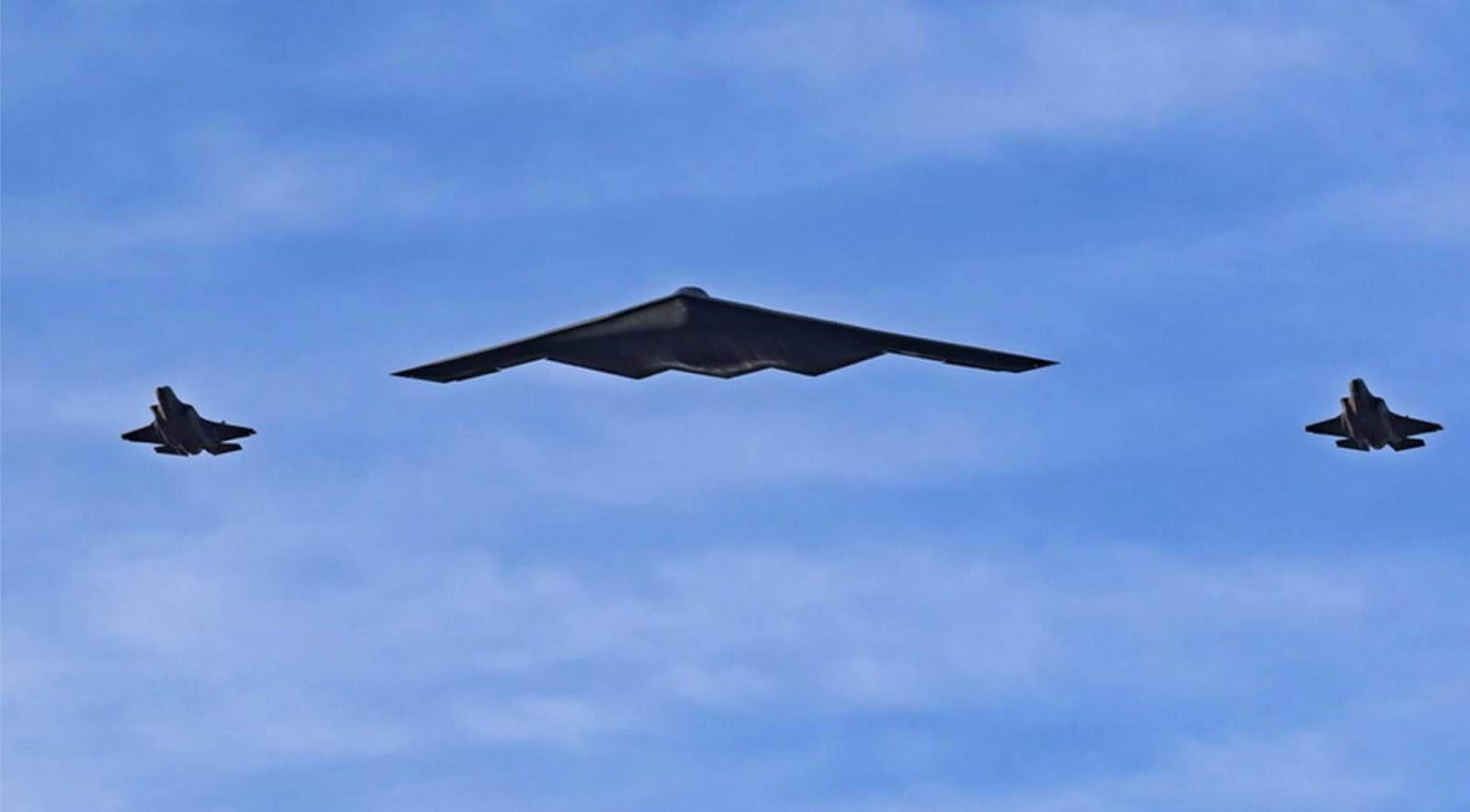 Pembom B-2 Angkatan Udara AS diuji dengan bom nuklir baru