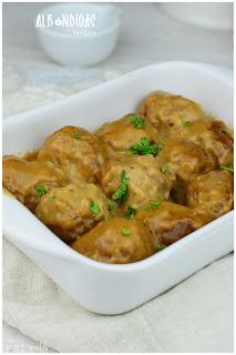 albóndigas ingredientes-hacer albóndigas caseras-albóndigas receta tradicional-albóndigas receta fácil-recetas de albóndigas en salsa-albóndigas en salsa
