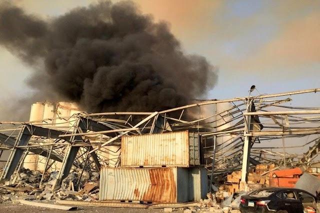 Forte explosão atinge área portuária de Beirute, capital do Líbano