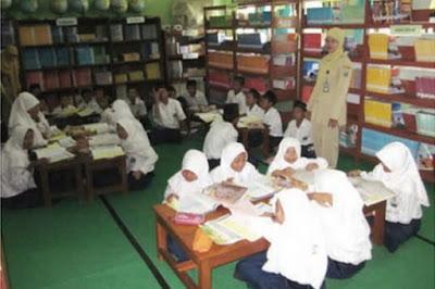 """Terbitkan Perpres, Jokowi Tegaskan """"Full Day School"""""""