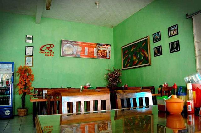 Rajawali Seafood & Mie Baso Banjar