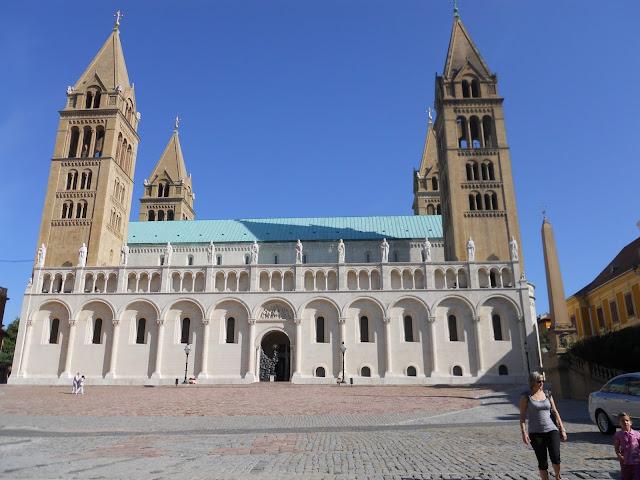 Pecs la cattedrale di san Pietro e Paolo