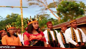 Mahasiswa UKI St. Paulus Ruteng Ramaikan Upacara Congko Longkap Gendang Werak