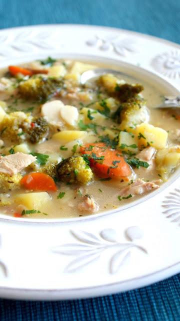 zupa brokułowa z mięsem,najlepsza zupa,zupa na jesień,sycąca zupa,danie jednogarnkowe,najlepszy blog kulinarny z kuchni do kuchni,fit zupa,zupa lekka z warzyw,