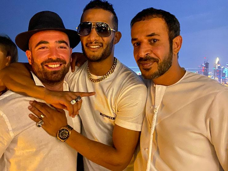Muhammad Ramadan with the stars of Israel .. One of them hugs and the other carries the third and the third is a soccer player ..