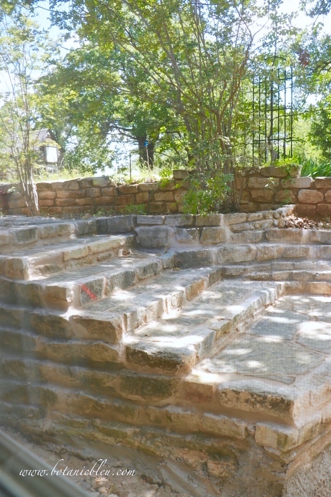 new-limestone-steps-backyard