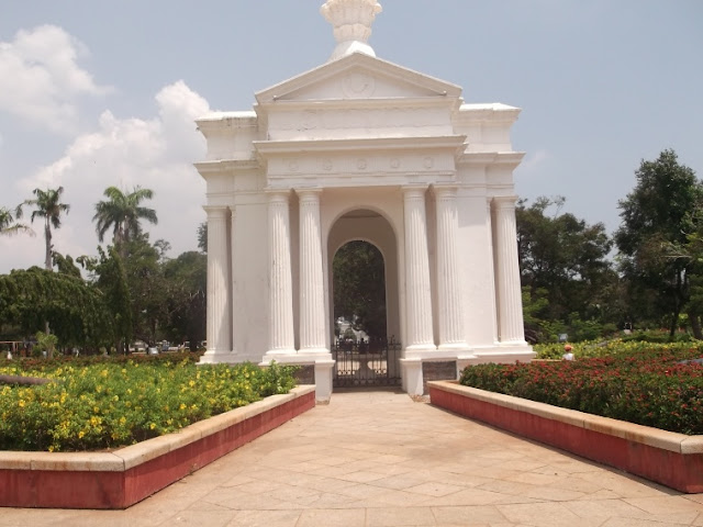 Park-Monument-Aayi-Mandapam-Pondicherry