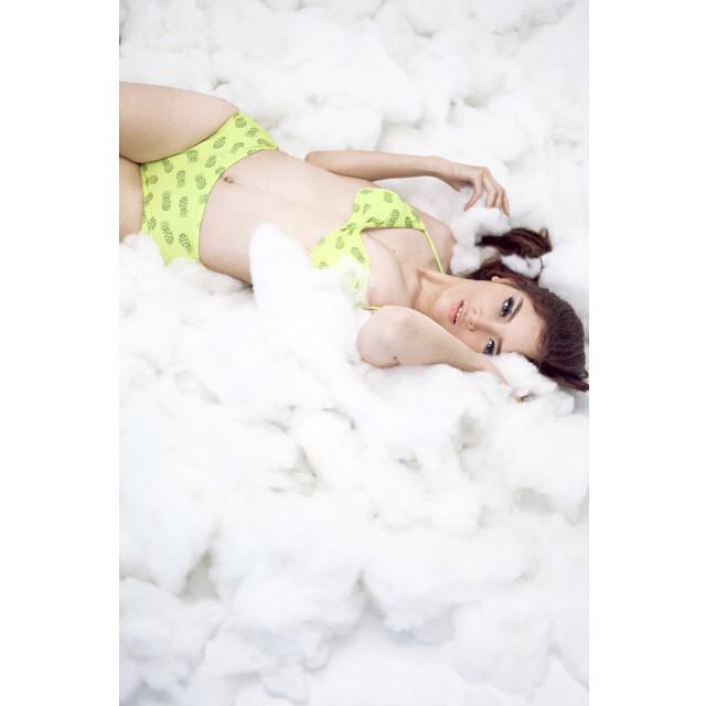 Foto-foto Bikini Atria Loni Model Seksi Full Galeri Indonesian Beauty