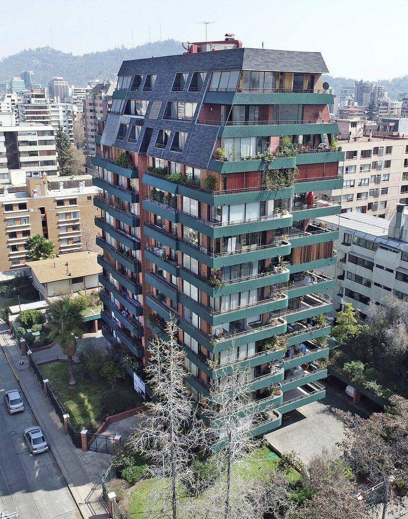 Edificio en Providencia arregló fachada y ascensores gracias a desconocido fondo