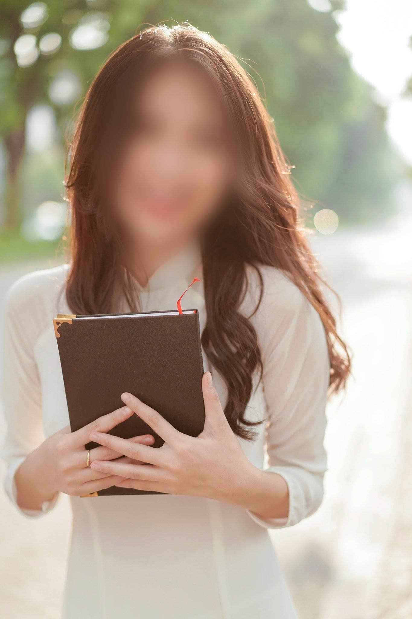Đoạn clip sex nghi của hot girl 9x - nữ diễn viên phim Về Nhà Đi Con và người yêu, chính chủ đã khoá Facebook !
