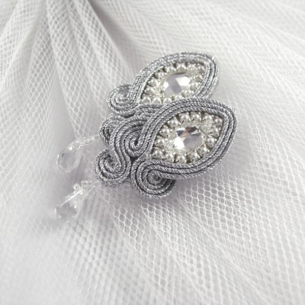 Sutasz ślubny, delikatne kolczyki z kryształami Swarovski.