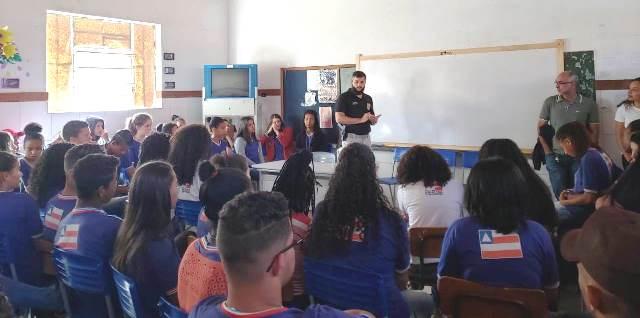Equipe da DT/Piatã visita estudantes da zona rural