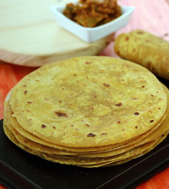 Thepla, delicious thepla, plain thepla, thepla at home, aj, ajindia, aj india, ajindiaweb, aj india web,