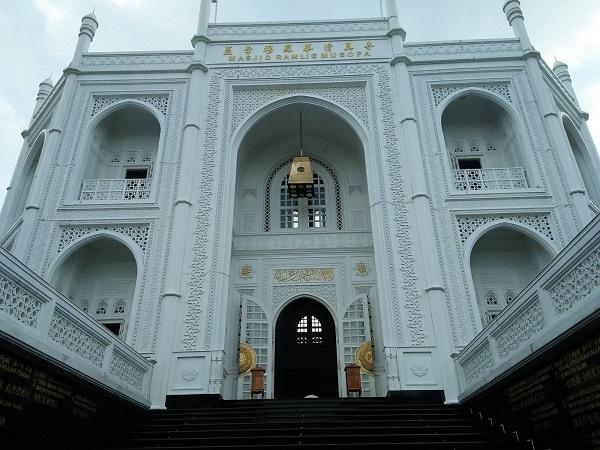 Masjid Ramlie Musofa di Sunter, Jakarta Utara