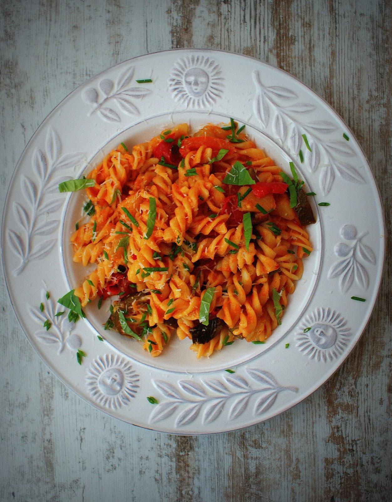 Z Kuchni Do Kuchni Fusilli Z Warzywami W Pomidorach