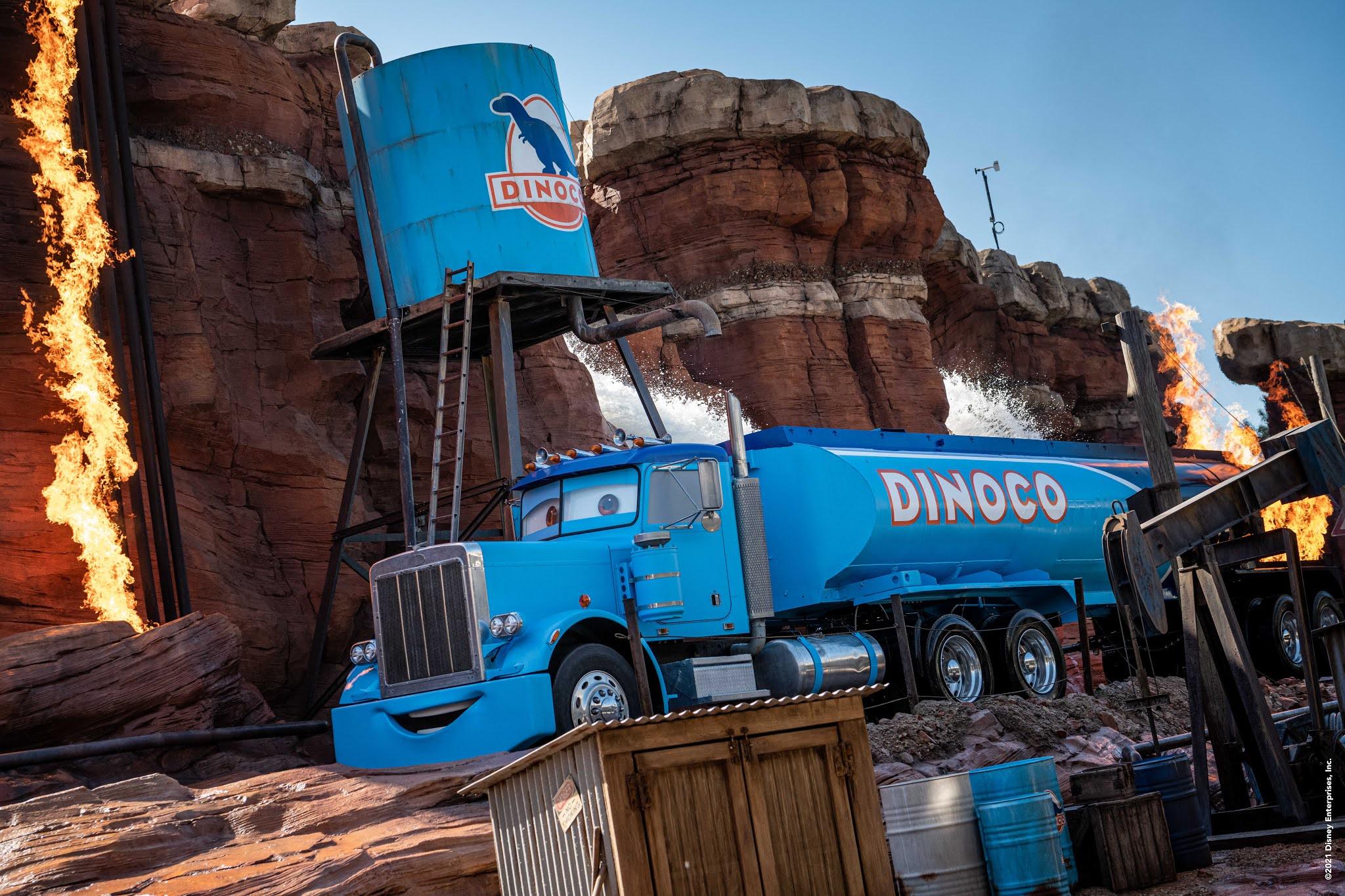Disneyland Paris Cars Road Trip Dinoco Truck Effekte