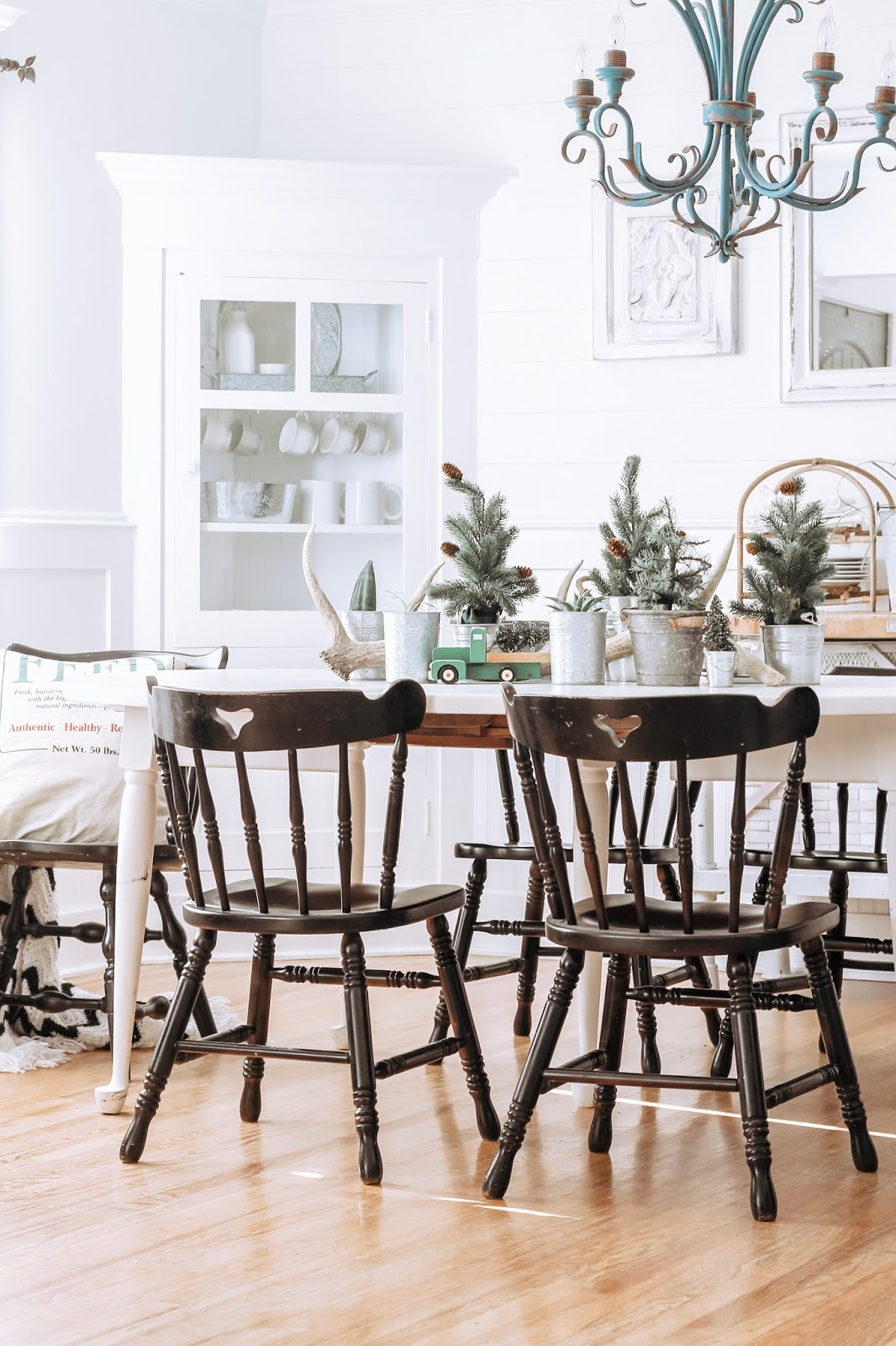 Christmas Dining Room & A Mini Tree Table Centerpiece