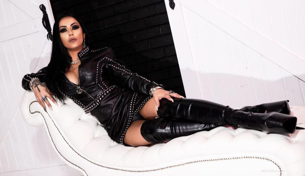 mistresskennya Model GlamourCams