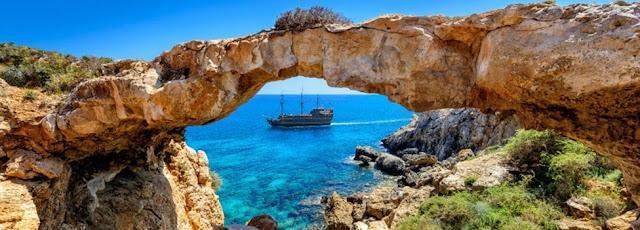 cyprus_sea_travel