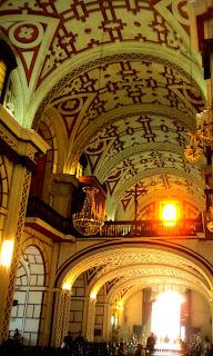 Interior da Iglesia de San Francisco, em Lima