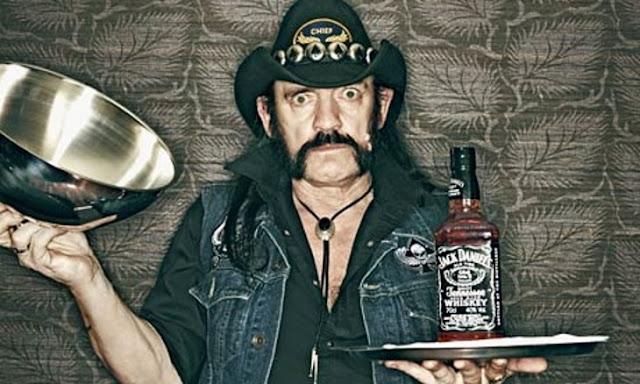 Lanzan edición limitada de Jack Daniel's en honor a Lemmy Kilmister ¡ y en unas horas se agotó!